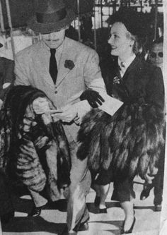 Clark Gable and wife, Carole Lombard. Golden Age Of Hollywood, Vintage Hollywood, Hollywood Stars, Classic Hollywood, True Love Couples, Portia De Rossi, Classic Actresses, Classic Movies, Hollywood Couples