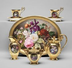 Free Online Appraisals of Antique Sevres Porcelain of Empire period. Fine Porcelain, Porcelain Ceramics, Porcelain Dinnerware, Porcelain Jewelry, Painted Porcelain, Dinnerware Sets, China Dinnerware, Antique China, Vintage China