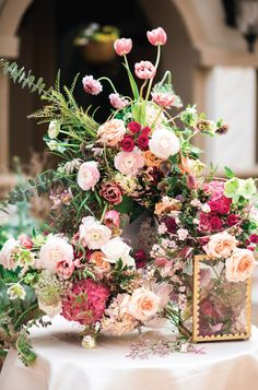 Rose to the Occasion Foral-Filled Wedding Inspiration | Photography: Andrea Elizabeth Photography | Floral: 21 Parc Floral and Events | Venue: Piazza in the Village #bridesofnorthtx #weddings #centerpiece