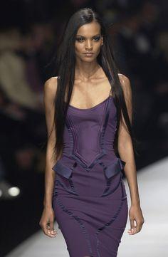 "fashion–victime: "" Liya Kebede for Versace Fall/Winter 2003 "" Paris Fashion, Runway Fashion, Fashion Models, High Fashion, Queen Fashion, Liya Kebede, Purple Fashion, Colorful Fashion, Carolina Herrera"