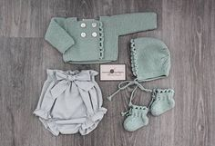 Baby Clothing Set: Romper, Collar, Bonnet And Booties Get the look: This complete baby clothing set includes- Romper With Crochet Bodice Ruffle Col Baby Knitting Patterns, Stitch Patterns, Look Fashion, Kids Fashion, Baby Kids, Baby Boy, Baby Socks, Baby Dress, New Baby Products
