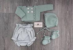 Verde + gris #handmade #ondas #knitting (Disponible en tienda online)