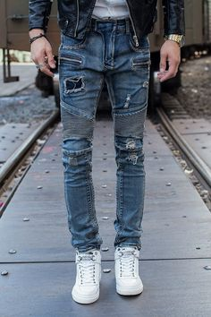 59.60$  Watch here - http://aliuw4.worldwells.pw/go.php?t=32728585570 - Free Shipping New Men Jeans Fashion Blue Biker Jeans Slim Fit Patch Zipper Denim Ripped Design Straight Skinny Jeans Men Pants 59.60$