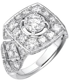 """""""Signature Ultime"""" rings n 18K white gold set withdiamonds. """"Signature de  Chanel"""" Collection - """"Signature Ultime"""" ring in18K white gold set witha 1–carat brilliant–cut diamond and 90 brilliant–cut diamonds for atotal weight of2.4 carats"""