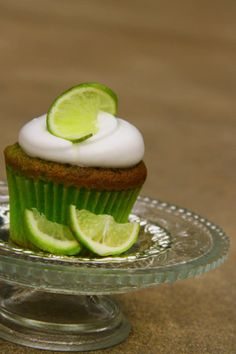 Meringue, Lime, Cupcakes, Desserts, Food, Merengue, Tailgate Desserts, Limes, Cupcake Cakes