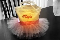 DIY Tutu Tote Bag Tutorial. Great gift to make for little girls!