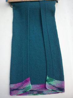 Haley's Baby Blanket : A simple baby size blanket pattern to create a lovely heirloom. Switch colors around to create a unique baby blanket. Knitting Loom: All-n-One Loom Yarn: … Loom Knitting Blanket, Loom Blanket, Loom Knitting Stitches, Knifty Knitter, Loom Knitting Projects, Knitted Blankets, Loom Yarn, Loom Crochet, Loom Weaving