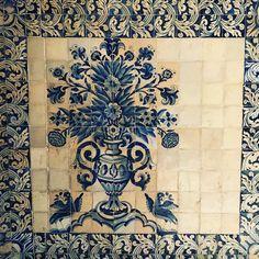 Azulejo tiles of Portugal. This one adorns the hallways of the University of Coimbra.    #travelswithtesa #boutiquetravelcompany #solopreneur #curatedexperiences #independenttravel #independenttraveler #virtuosoadvisor #affordableluxury #travelplanner #traveladvisor #travelswithtesatoportugal #portugal #coimbra #azulejo #blueandwhite #portugesetiles #tiles #blueandwhitetiles #lisbon #decor