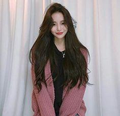 ᴹᴱ-ᴱᴬᴿᴬ - Modern Pelo Ulzzang, Ulzzang Hair, Cute Korean Girl, Asian Girl, Korean Beauty, Asian Beauty, Korean Long Hair, Korean Hairstyle Long, Crimson Hair