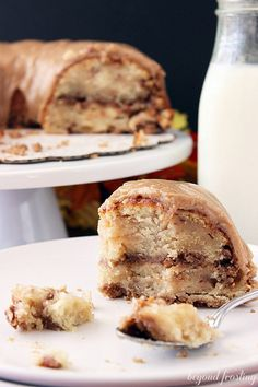 Apple Pie Coffee Cake with Brown Butter Maple Glaze---! Beyond delectable! Just Desserts, Delicious Desserts, Yummy Food, Cake Recipes, Dessert Recipes, Top Recipes, Dessert Ideas, Brunch Recipes, Drink Recipes