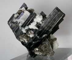 476 grams Large Schorl Tourmaline Muskovite Cleavelandite Mineral Display Specimen. Brazilian.
