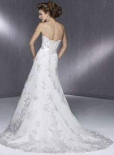 Wedding gown Singapore |wedding gown custom make| bridal dresses| wedding gown French Keywords: #singaporeweddings #jevelweddingplanning Follow Us: www.jevelweddingplanning.com  www.facebook.com/jevelweddingplanning/