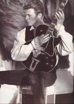 David Bowie - Rockpalast 1996 (Full Show) David Bowie Born, David Bowie Tribute, New Wave Music, Music Love, Rock Music, Glam Rock, David Jones, Trevor Bolder, New York City