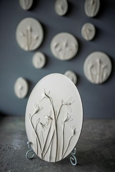 Snowdrops white bas-relief plaster cast by DinaArtDecor. Flowers 3D wall painting room art decor. Farmhouse oval wild grasses wall hanging as easter gift. The botanical panel is ideal for decorating the entrance hall, living room, kitchen, bedroom or baby room. You can combine several bas-reliefs into one composition. These panels are an amazing gift for nature lovers #botanicalwallart #bedroomwalldecor #artwork