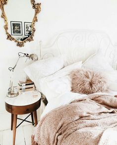 Dreamy pink, white and gold bedroom decor Dream Bedroom, Home Bedroom, Bedroom Decor, Bedroom Ideas, Pretty Bedroom, Bedroom Inspo, Bedroom Furniture, Furniture Plans, Kids Furniture