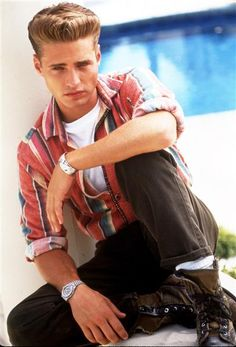 """Jason PriestleyPlayed: Brandon WalshUnlike his on-screen twin sister Brenda, the fictional Minnesota native became the most lovable character on """"Beverly Hills, 90210."""" Brandon started his journalism career with West Bev's Beverly Blaze and ended his tenure on the show with a move to Washington, D.C. And how can we forget his father-and-son-like relationship with Nat, who he worked for at the Peach Pit? Towards the end of the show's run, the Canadian actor became one of the first cast…"""