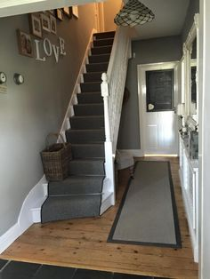 Love this hallway painted in Farrow & Ball 'lamp room grey' ♡ Stairs Colours, Hallway Colours, Hallway Colour Schemes, Living Room Color Schemes, Living Room Wall Colours, Entrance Hall Decor, House Entrance, Small Entrance Halls, Hall Way Decor