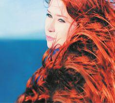"""Laury Oropeza estrena su álbum debut """"Transparente"""""""