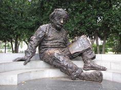 Visiting the Albert Einstein Memorial in Washington DC: Albert Einstein Memorial