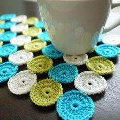 my handmade life . Quick Crochet, Love Crochet, Crochet Motif, Crochet Coaster, Knit Crochet, Crochet Patterns, Crochet Kitchen, Crochet Home, Crochet Table Mat