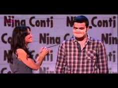 Nina Conti adds an original touch to her ventriloquist performance that has her audience cracking up on all sides. Watch as the selected candidate from the crowd shows his other side with a mask. Laugh Till You Cry, Laugh Out Loud, Nina Conti, Human Puppet, Friday Humor, Stand Up Comedy, Can't Stop Laughing, Comedians, Acting