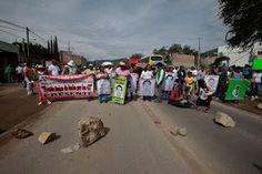 #SOSPORMÉXICO #FreeNestora. Retenes policiacos intimidad e impiden libre circulación de… http://ift.tt/1Ih2Kyo