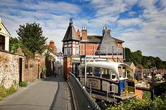 The Cliff Railway, Bridgnorth, Shropshire, England Places In England, West Midlands, Historic Homes, Great Britain, Places To See, United Kingdom, False Wall, Beautiful Places, British Isles