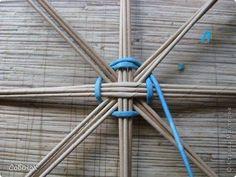 Craft Stick Crafts, Diy Crafts, Paper Basket, Basket Weaving, Clothes Hanger, Amazing Art, Tableware, Baskets, Ideas Para