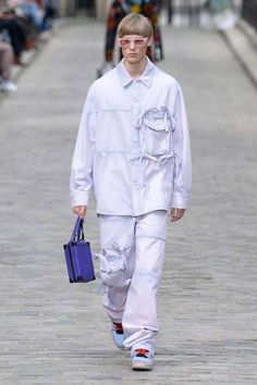 Louis Vuitton Paris Fashion Week Runway Show Men's Fashion, Fashion Week, Paris Fashion, High Fashion, Fashion Show, Runway Fashion, Fashion Trends, Mode Streetwear, Streetwear Fashion