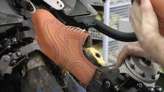 İngiltere'de ayakkabılar böyle üretilir http://www.ayakkabimalzemeciniz.com #ayakkabı