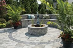 """EP Henry - Solitaire Pond Kit Pewter Blend, 3"""" & 6"""" Coventry Double Sided Wall Pewter Blend, Universal Cap Pewter Blend, Bristol Stone Ash Gray, Black Dyed Mulch, Patio"""