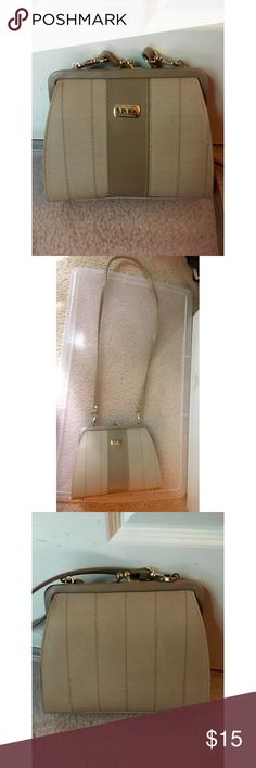 Spotted while shopping on Poshmark: ✨ Liz Claiborne beige side bag with strap! #poshmark #fashion #shopping #style #Liz Claiborne #Handbags