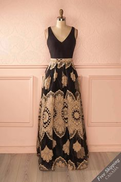 Robe longue noire et or avec broderies - Black and gold embroidered gown