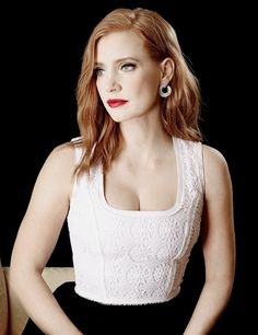 Celebrities - Jessica Chastain Photos collection You can visit our site to see other photos. Beautiful Celebrities, Beautiful Actresses, Most Beautiful Women, Beautiful People, Actress Jessica, Gorgeous Redhead, Woman Crush, Mannequins, American Actress