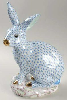 """Herend Hand Painted Porcelain Figurine """"Large Rabbit"""" Blue Fishnet Gold Accents."""