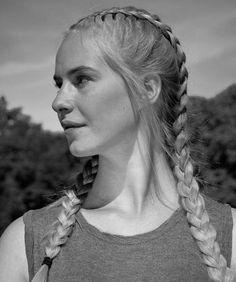 German Women, German Girls, Bordados Viking, Vintage Photographs, Vintage Photos, Women In History, European History, Westerns, Woman Face
