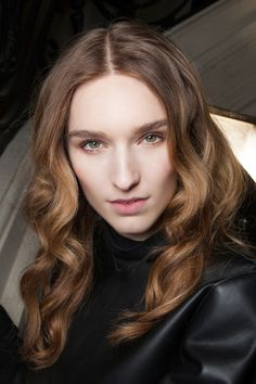 Heres How to Get Voluminous Hair Without a Blow Dryer