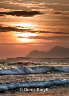 The long sandy beach at Keel on Achill Island is a superb location to get some spectacular surf waves rolling in off the Atlantic Ocean. Standing on the beach this evening listing to the pounding waves and admiring the beautiful evening sunset was a treat for the senses.