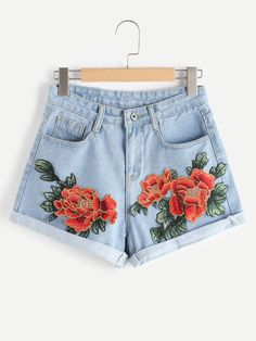 SheIn offers Appliques Rolled Hem Denim Shorts & more to fit your fashionable needs. Embellished Jeans, Embroidered Shorts, Embroidered Sweatshirts, Short Court, Summer Outfits, Cute Outfits, Floral Jeans, Floral Shorts, Floral Tops
