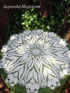 "crocus doily 23"" thread free written English pattern coats and Clark"