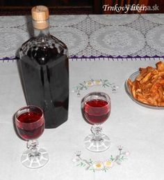 Trnkový likér (fotorecept) - Recept Alcoholic Drinks, Beverages, Preserving Food, Wine Decanter, Preserves, 4th Of July, Smoothies, Barware, Food And Drink