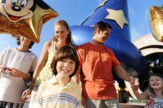 Visit the most magical place on earth, where everyone is a kid again. Explore Magic Kingdom, Epcot, Disney's Hollywood Studios, Animal Kingdom & Universal Studios Florida.    Visita el lugar mas mágico sobre la tierra, donde todos somos niños otra vez. Visita Magic kindom, Epcot, Disney World, Animal Kingdom & Estudios Universal.