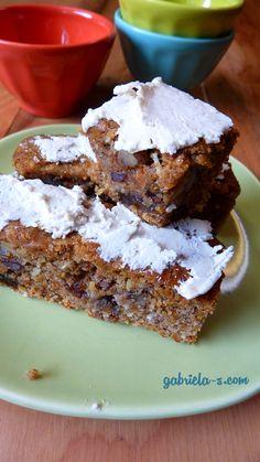 Moist and Plummy Carrot Cake Bars (gluten-free + sugar-free + dairy-free)