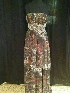 A beautiful a-line mossy oak camo dress with fully beaded waistband. the prettiest camo dress ive ever seen Country Prom, Country Dresses, Country Outfits, Country Girls, Country Weddings, Country Life, Camo Wedding Dresses, Grad Dresses, Homecoming Dresses