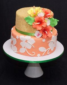 Hawaiian cake. Sugar flowers