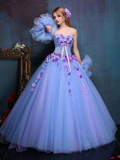 Read information on ball gown quinceanera dresses! Try out a moisturizing shampoo and conditioner for frizzy hair. Avoid products which create volume this consists of wheat or rice. Stunning Dresses, Beautiful Gowns, Elegant Dresses, Pretty Dresses, Robes Quinceanera, Cheap Quinceanera Dresses, Quince Dresses, Fairy Dress, Ball Gown Dresses