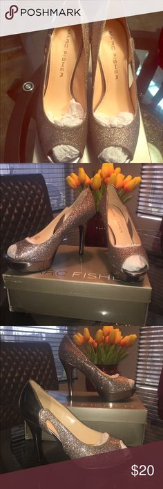 Marc Fisher size 9m Silver sparkly heels Like new few scuffs Marc Fisher Shoes Heels