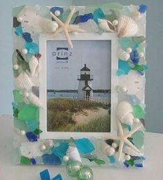 Sea glass and sea shell frame by Dana Anderson Sea Glass Crafts, Sea Glass Art, Seashell Crafts, Beach Crafts, Sea Glass Jewelry, Fused Glass, Seashell Frame, Beach Frame, Starfish
