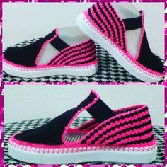 Zapatos tejidos a mano✋. #patyartesanal #patyartesanal  Zapatos totalmente hechos a mano muy artesa - patyartesanal