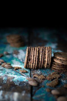 Печенье зерновые, миндаль, овес и шоколад - клубника поля навсегда